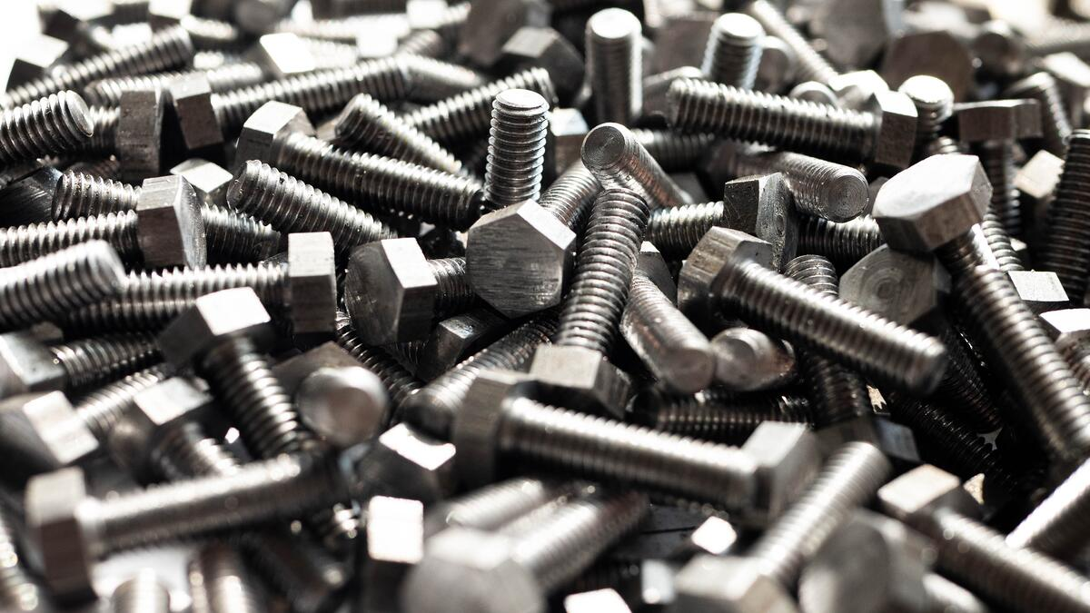 this-photo-shows-assembly-bolts-made-of-metal-side-view_t20_nLoQ1R